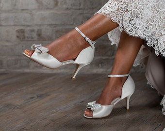 Imaani Zuri white wedding shoe