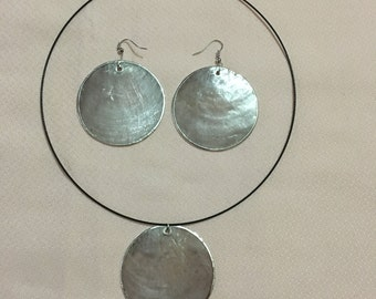 Set of necklace and Pearl Earrings