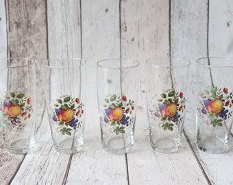 Set of 5 Retro Drinking Glasses With A Pretty Fruit Motif