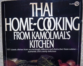 Thai Cookbook - Almost New - Home-Cooking From Kamolmal's Kitchen  - Ethnic Cookbook