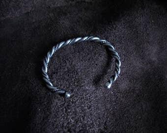 Simple twist stainless bracelet