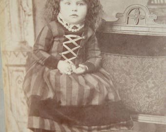 Little Girl Antique Cabinet Card Photo. Late 1800s Collectible Photo, Scrapbooking, Art Supply, Antique Collection, Antique Photo, Victorian