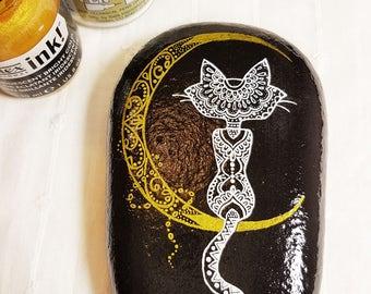 Hakuna Matata Italy, Hand painted mandala stone cat