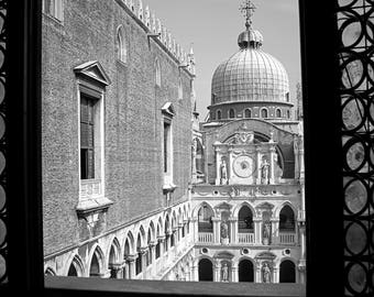 "Digital art, printable art, digital download, 300dpi, 24x36 and 8x12 Black and white photography ""PALAZZO del DOGE"""