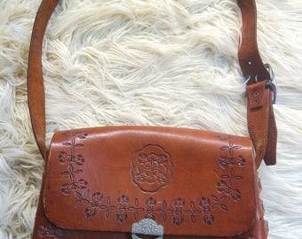 VNTG * 70s Handmade Leather Stamped Boho Shoulder Bag