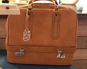Vintage luggage bag