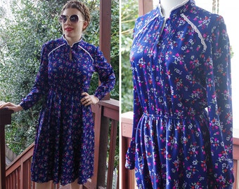 BLUEBERRY 1970's 80's Vintage Navy Blue Floral Dress w/ Long Sleeves + Keyhole Lace Collar // size Small Medium