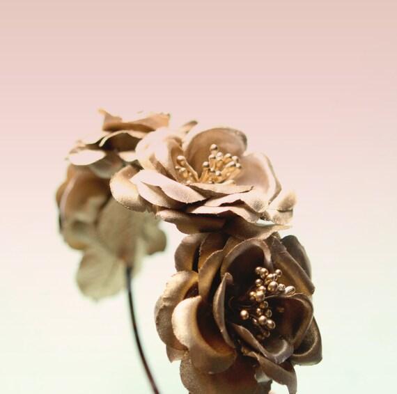 Gold rose headband, Golden floral headpiece, Bridal hair, Gold bridal hair accessory, Golden rose hair crown, Gold flower fascinator