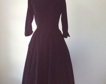 Black velvet dress | vintage 1950s dress | 50s party dress