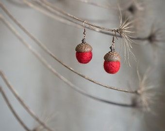Dangle acorn earrings with real acorn cap and felted wool beads in deep red color - unusual copper and felt jewelry