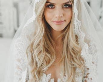 Fingertip Lace Veil, Bridal Veils, Fingertip Length Lace Veil, Wedding Veil, Catholic Mantilla Veil, Lace Edge Veil, Single Layer Veil, 1605