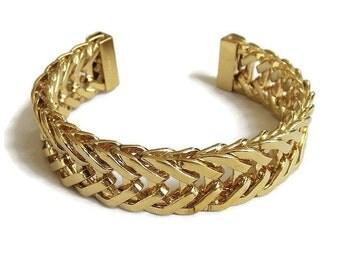 Monet Fixed Chain Design Cuff Bracelet Vintage Signed