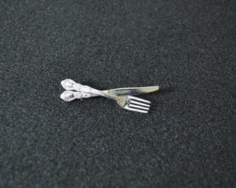 Vintage Knife and Fork Silverwear Foodie Kitchen Pin Silver Flatwear Chef Restaurant