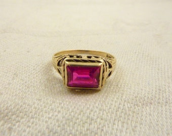 Vintage 14K Gold and Synthetic Ruby Ring Size 6 1/4