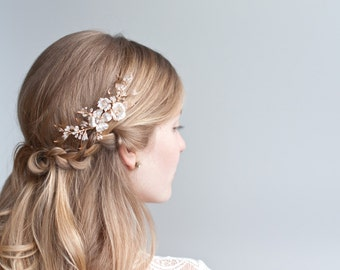 Gold Flower Comb, Wedding gold and pearl flower hair vine, Dogwood Flower hair bouquet with pearl and crystal sprays, Boho wedding hairpiece