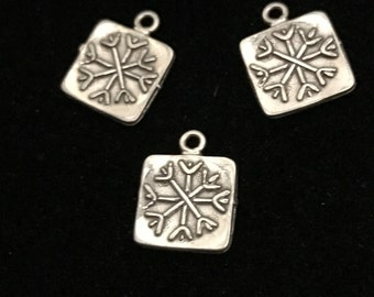 Clearance Sale.. Silver SNOWFLAKE Charms Pendant - Snow Flake, 925 Sterling Silver, 2 pcs, 12x9.5 mm, winter wedding christmas fall winter