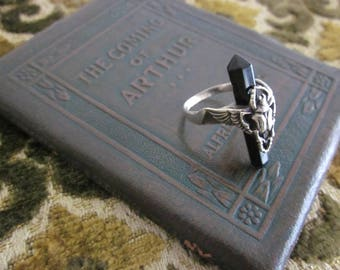 Sterling Silver winged Scarab and Black Onyx Quartz point ring sz. 7.25