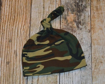 Baby camo beanie etsy green camo knot beanie baby boy hospital beanie adjustable knot beanie hunting baby negle Image collections