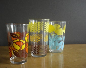 Mix It Up - Vintage Set of Three 3 Brightly Patterned Glasses - Vintage Kitchen Glasses