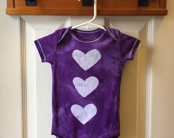 Purple Baby Bodysuit, Purple Hearts Baby Bodysuit, Purple Baby Gift, Baby Shower Gift, Baby Girl Gift, Baby Bodysuit with Hearts (9 months)