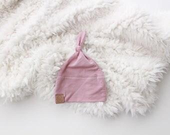 Mauve baby girl knot beanie | newborn beanie | newborn hat | infant beanie | baby's firt hat | newborn gift | pink baby hat | dusty rose
