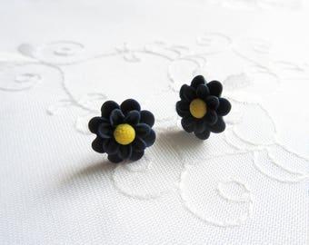 Matte Chrysanthemum Flower Earrings / Chrysanthemum / Mums / Flower / Post / Stud / Earrings / Flower Studs / Flower Posts