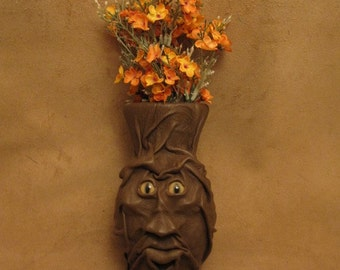 """Grichels medium flower vase - """"Chence"""" 29217 - chocolate brown leather with honey brown and green slit pupil bobcat eyes"""