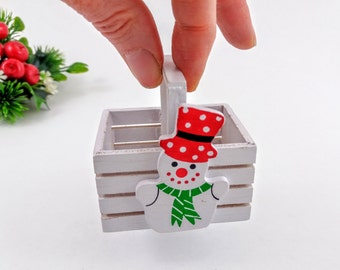 Vintage Miniature 2 inch Wood Basket with HandPainted Snowman, Vintage White Wood Rectangular Basket, Christmas Ornament, Decoration