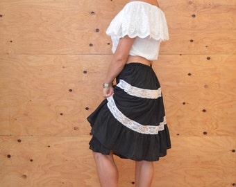 Vintage 70's A-line Black & White Tiered Lace Striped Skirt SZ M/L