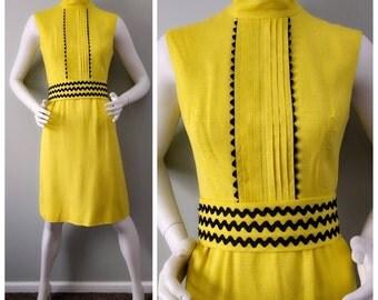 Vintage 1960s Taxicab Yellow Black Bric Brac Trim Sheath Dress L B36
