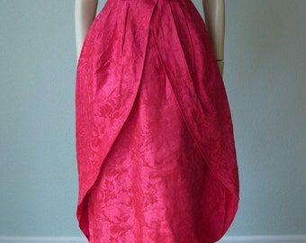 1950s-60s Red Floral Brocade Damask Full Length Hourglass Bombshell Evening Gown with Dramatic Peplum/Double-Skirt Design - Small
