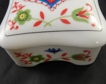 China Trinket Box, covered Heart and Flower Design