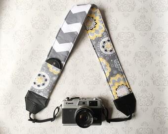 DSLR Camera Strap, Padded with Lens Cap Pocket, Nikon, Canon, DSLR Photography, Photographer Gift, Wedding - Yellow Flowers ans Gray Chevron