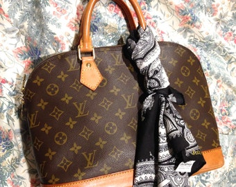 Flash Sale. Vintage Louis Vuitton Alma bag. With Italian Paisley Scarf. Monogram. Good Condition. Authentic.