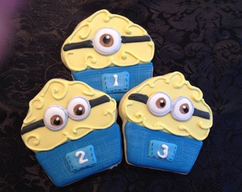 Minion cupcake - sugar cookies