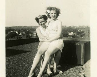 "Vintage Photo ""Rooftop Friends"" Women Pretty Girl Snapshot Antique Photo Old Black & White Photograph Found Paper Ephemera Vernacular - 53"