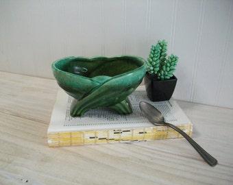 USA Pottery Vintage Green Pottery Planter / Vintage Embossed Leaf Design Planter