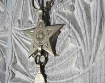 Moroccan small star hand engraved fibula pendant