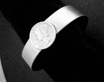 Womens United States Liberty Dime (1943) Silver Cuff Bracelet