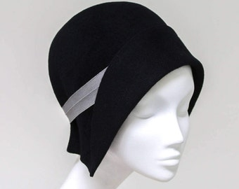 The Jeanne Hat - 1920s Cloche Hat - Black Felt Hat w/ Ribbon Accent - Classic Vintage Style Hat - Spring Fashion