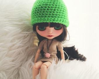 Green apple hat. Blythe clothes Apple hat for newborn prop. ooak Blythe bear hat. Blythe accessories. Blythe doll hat. spring hat, fruit hat