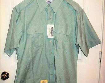 """Vintage US Army Green Short Sleeve Uniform Shirt by DSCP Large 17"""" Neck NoS Only 10 USD"""