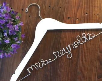 Personalized Hanger, Wedding Hanger, Clothes Hanger, Bride Hanger, Mrs Hanger, Wire Name Hanger, Bride Gift, White Wood Hanger for Bride