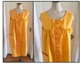 Vintage 1960s Misses' Yellow Orange Sleeveless Dress 14 16
