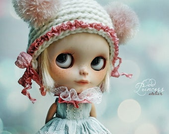Blythe/Pullip Helmet SWEET BEAR WHITE By Odd Princess Atelier, New Hand Knitted Collection