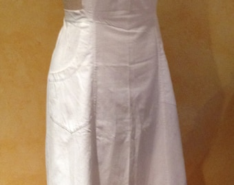 Traditional Vintage White Swiss Cotton Full Embroidered Apron Mother's Day Gift