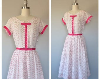vintage 1950s dotted swiss rose print day dress size small