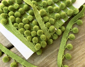 Retro Dingleball Trim, Avocado Green, Five Yards, Selling by the Yard, Perfect Condition