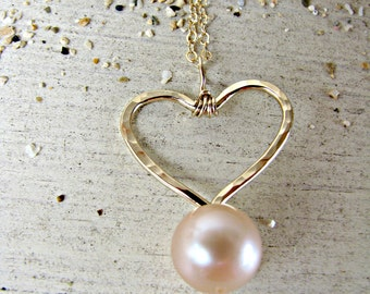 Pink Pearl Heart Pendant, Pink Pearl Necklace, Gold Heart Necklace, Daughter Gift, Love Necklace, Bridesmaid Necklace, Bridal Jewelry