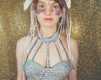 White lilly flower fascinator headdress - fairylove